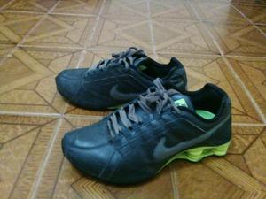 5ff0688ca67 Nike shox junior