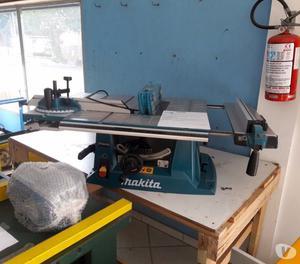 Serra de mesa Makita MTL 100 com mesa móvel