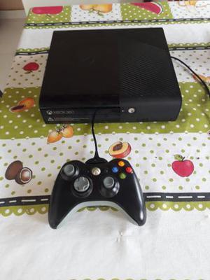 Xbox 360 super slim, desbloqueado RGH, com um controle, cabo