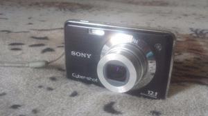 Câmera Digital Sony 12.1 MegaPixels. Com bateria