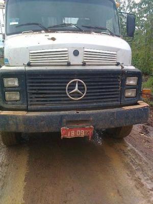 Caminhão MB  - Agregado