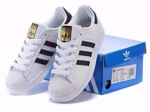 Tênis Adidas Superstar Preto e Branco Foundation Homem e