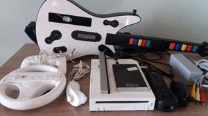 Wii desbloqueado c/ + 50 jogos e 3 controles + Guitarra
