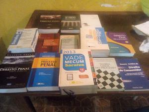 Coleção de livros jurídicos