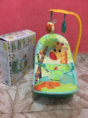 Cadeira Vibra e Toca Nova sem Uso _0 A 11 kg Nova sem uso