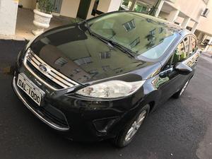 New Fiesta sedan  completo aceito financiamento -  -