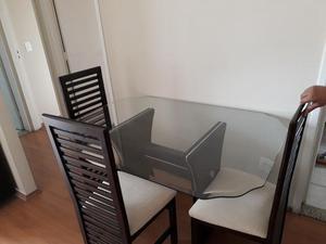 Conjunto de Mesa de Jantar com 4 Cadeiras - Oportunidade