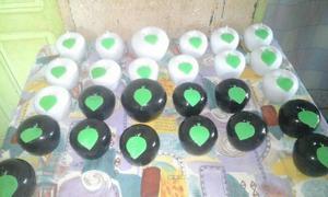 Conjunto de maçã pequenas brancas e pretas. menor preço