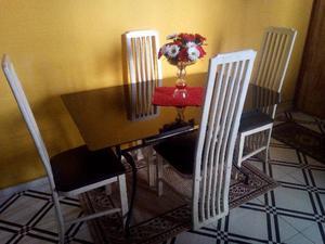 Mesa 4 cadeiras de Vidro Fumê