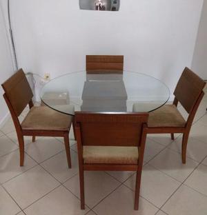 Mesa de madeira tampo de vidro 4 cadeiras