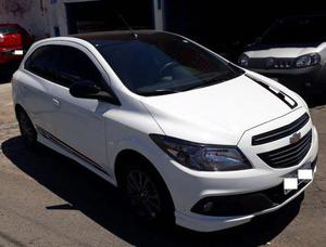 GM ONIX 1.4 EFFECT 2016 BRANCO COMPLETO - Carros
