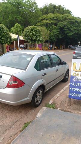 Fiesta sedan basico -