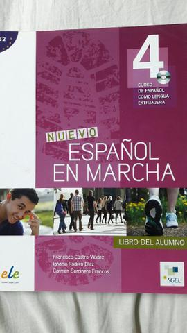 Livro novo de espanhol (espanol en marcha 4)