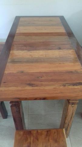 Mesa+ bancos de madeira maciça