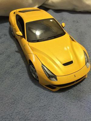 Miniatura Ferrari F12 Berlinetta 1:18 Hot Wheels Elite