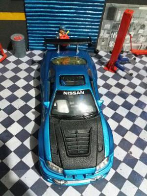 Miniatura Nissan Skyline cm em metal ñ VW bbs