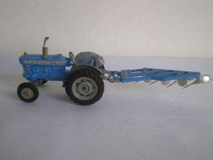 Trator Ford Super Major  Corgi Toys 1/43 Metal C/arado