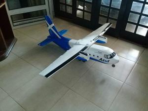 Aeromodelo bimotor top
