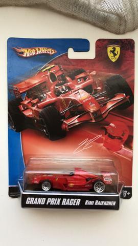 Miniatura Hot wheels Matchbox Ferrari land rover