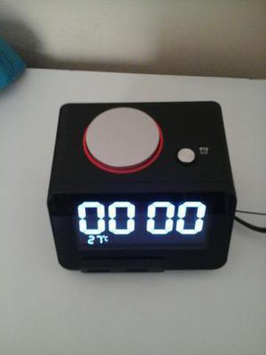 Relógio despertador com Bluetooth e entrada pra cartão de