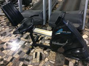 Total health - 1 esteira, 2 bikes horizontal e 1vertical.
