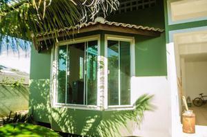 Quartos em casa de alto padrão próximo a praia