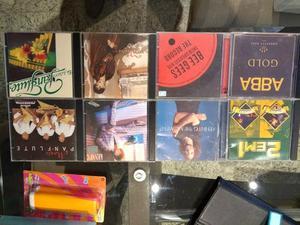 CDs grupos e cantores famosos