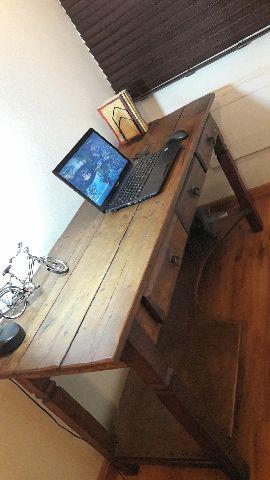 Mesa/Escrivaninha para estudos, trabalho, etc