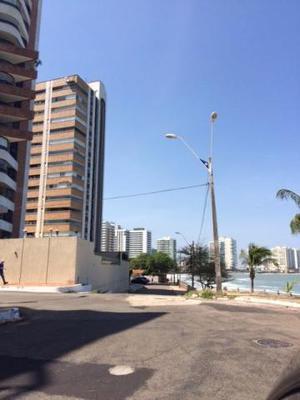 Aluga-se apartamento de frente para o mar, com 310,00 m2, 04