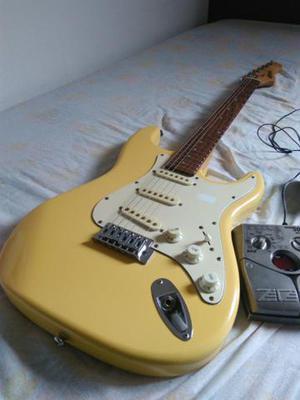 Guitarra e pedaleira,zoom 5052,$400