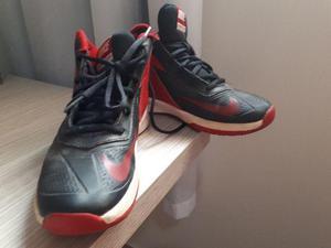 Tênis Nike Team Hustle D7 Original Usado N 35