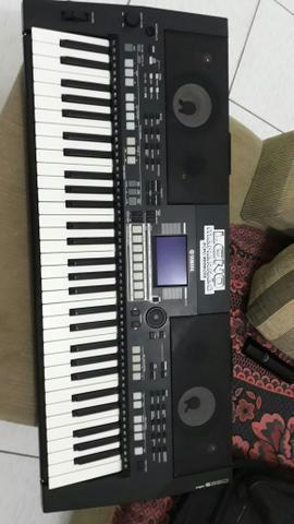 Vendo Teclado Yamaha 550b