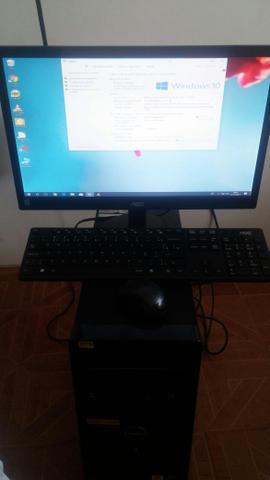 Vendo desktop Dell com Monitor teclado é mouse