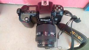 Nikon d  e a outra n