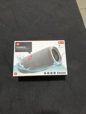 Vendo Caixa de Som JBL Charge 3 Nova/lacrada