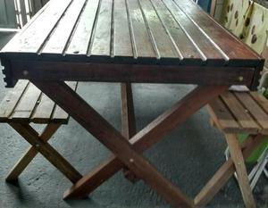 Vendo mesa e bancos de madeira maciça