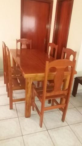 Mesa de Jantar com 6 cadeiras, madeira padrão cerejeira em