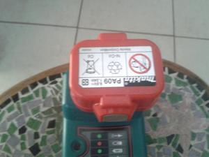 Carregador de Bateria e Bateria Makita Dc 1414