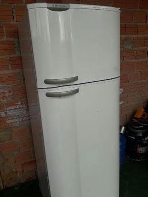 Geladeira electrolux super barata
