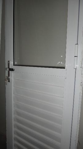 Porta de aluminio área de serviço