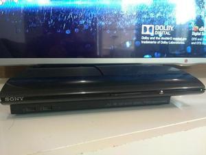 PS 3 em excelente estado de conservação dois controles
