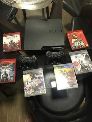 PS3 utilizado poucas vezes com 2 controles e 7 jogos