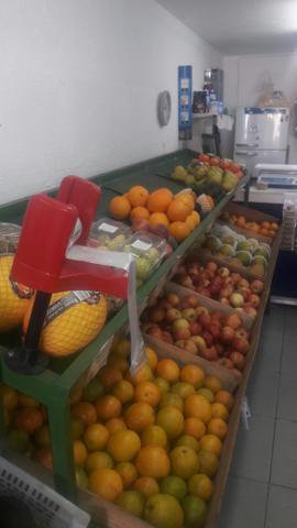 Sacolao. banca de frutas e legumes