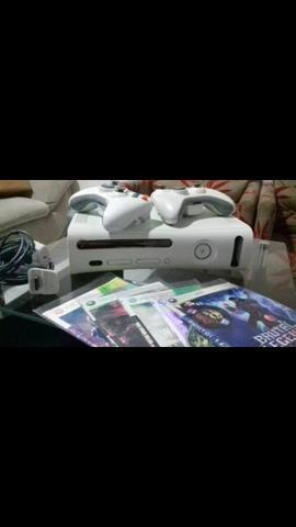 Xbox destravado com 30 jogos 2 controles