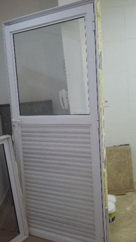 Pia de mármore e Porta de alumínio - KIT COM 3 PEÇAS para