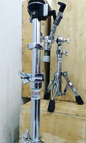 Vendo Kit de Estantes (Ferragens) de Bateria (Acompanha