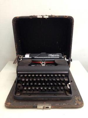 Antiga máquina de escrever Olympia (código do produto: