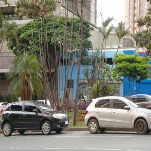 Alugo imóvel de 181 m2 na Avenida Afonso Pena 1967, com