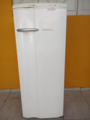 Geladeira Electrolux 280 litros