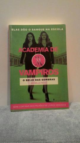 Livro: Academia de Vampiros: O Beijo das Sombras